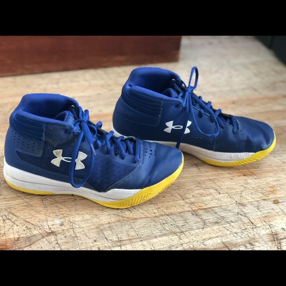 Under Armour Boys/' BGS Launch Basketball Shoes